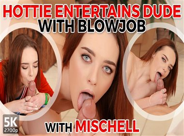Hottie Entertains Dude With Blowjob